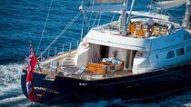 Potret Superyacht Milik Berlusconi yang Dijual