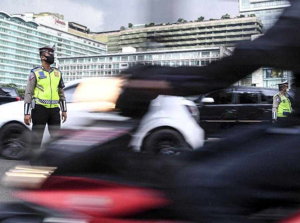 Anies Beri Ancaman Sanksi, Baca Lagi Aturan Berkendara saat PSBB Jakarta