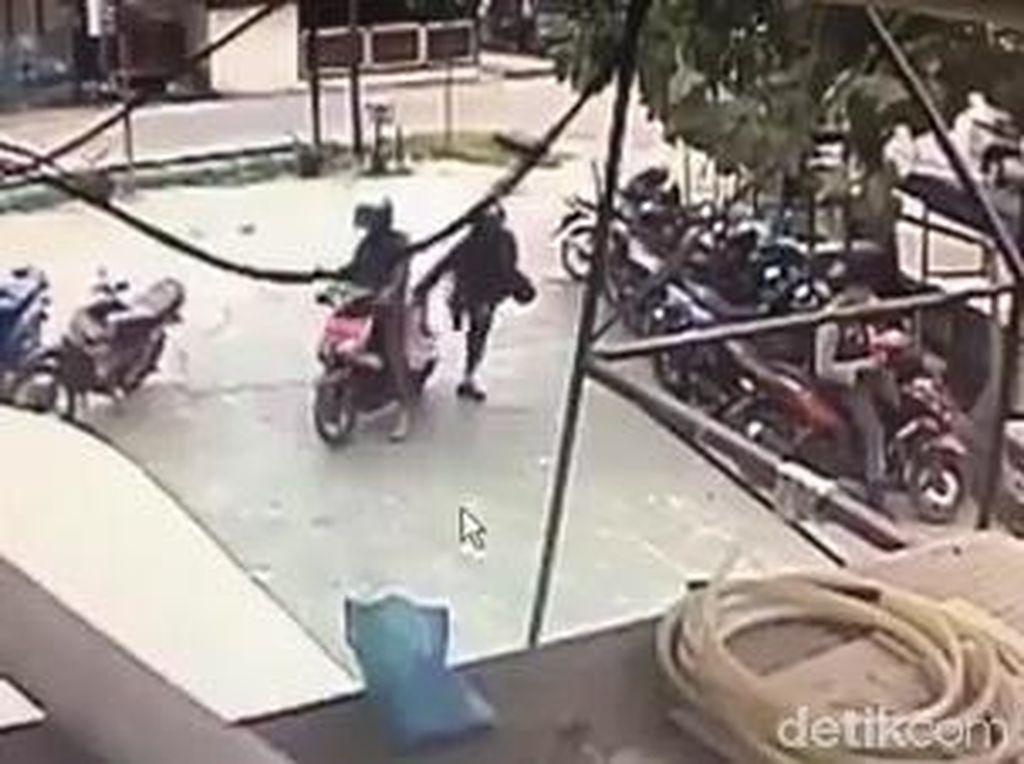 Detik-detik DPO Teroris MIT di Poso Sulteng Tembak Polisi dari Dekat