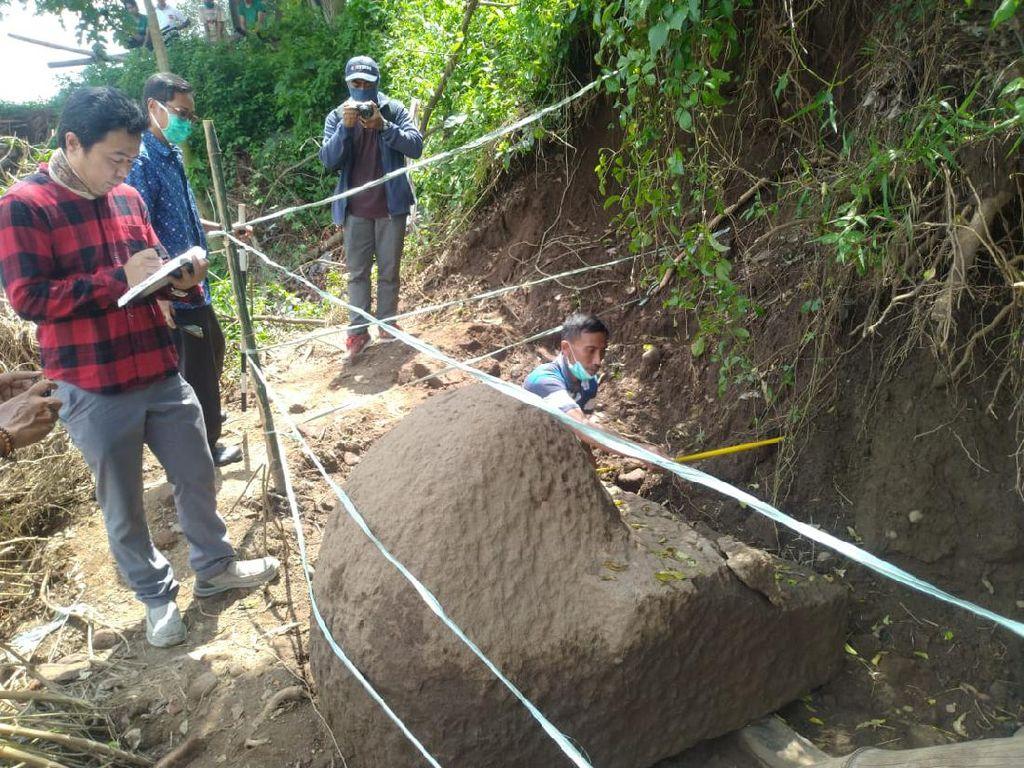 Batu Pipi Tangga Candi Perkuat Bukti Ada Tempat Pendarmaan Raja Singosari