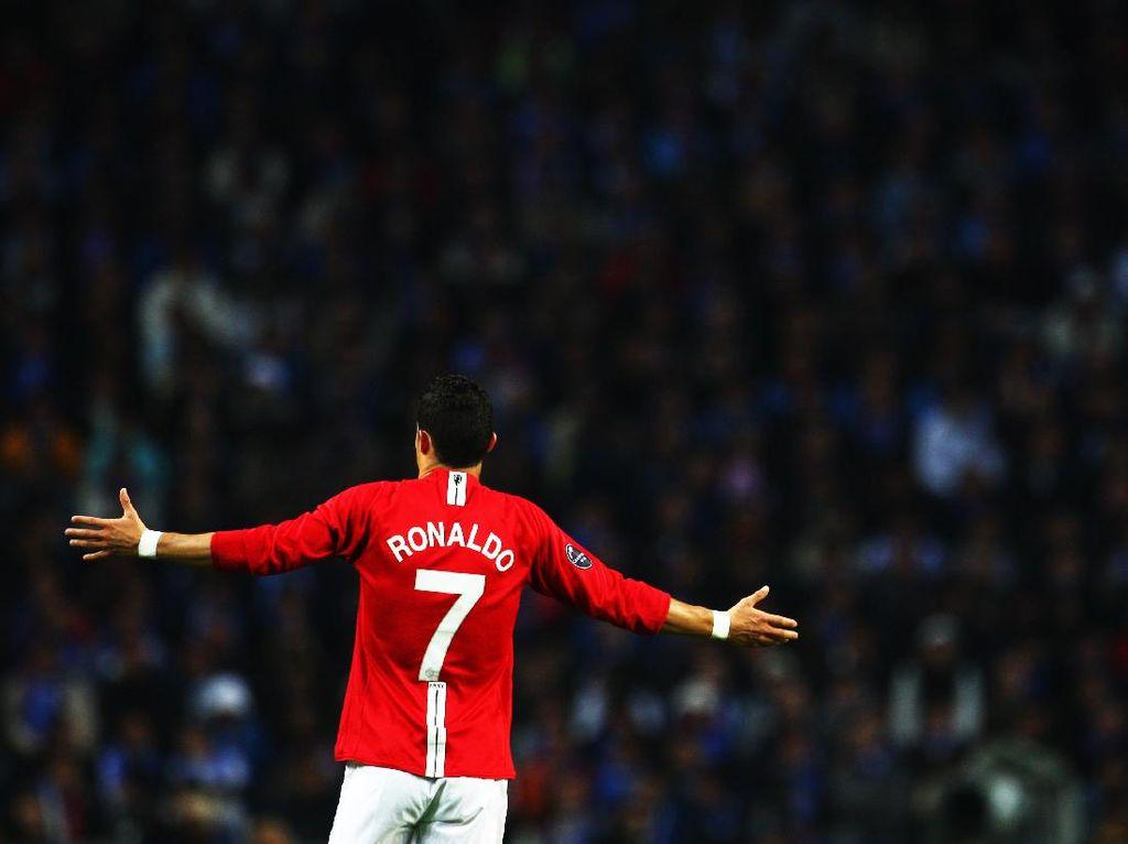Ketika Ronaldo Batal Pulang ke MU Akibat Sir Alex Pensiun