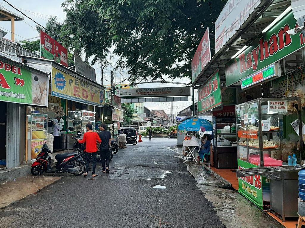 Curhat Pedagang Pempek Tak Lagi Ada Pembeli Sejak Corona Merebak