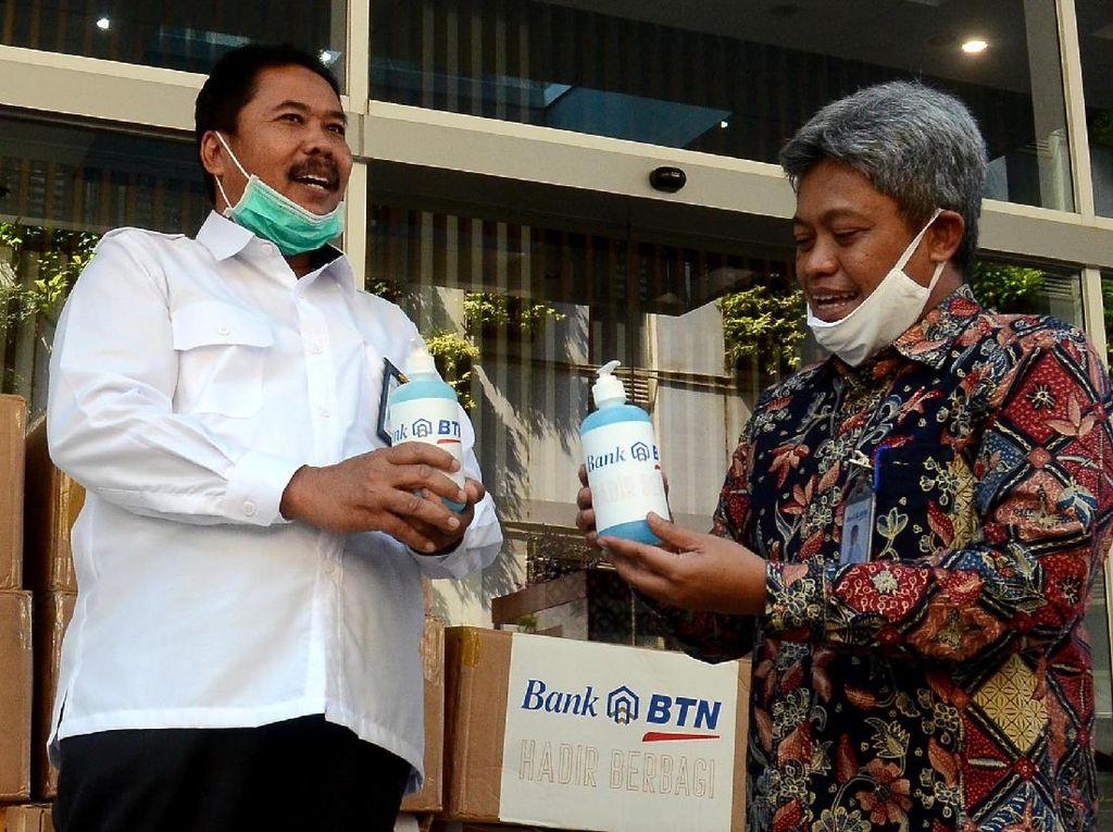 Masker-Hand Sanitizer untuk Lingkungan Terdampak