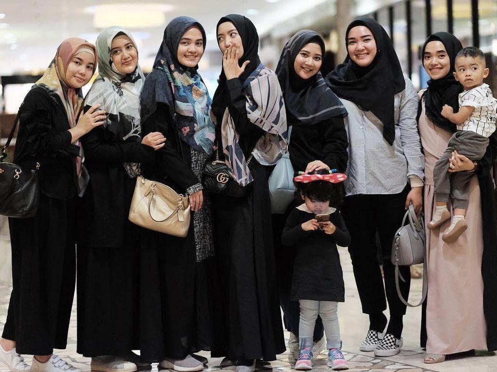 Selebgram Hijab Indonesia Bikin Pass The Hijab Challenge, Lagi Tren