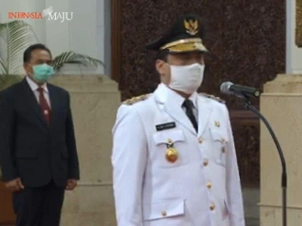 Video Jokowi Ucapkan Selamat ke Riza Patria Pakai Protap Corona