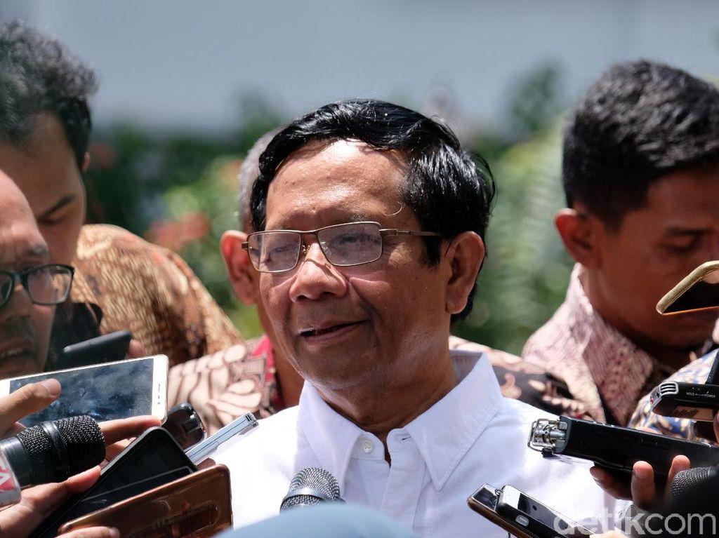 Mahfud Md Gembira Ravio Patra Dibebaskan: Jaga HP Kita Agar Tak Diretas