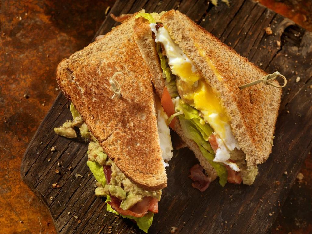 Kesal Diprotes Suami, Istri Ini Bikin Sandwich Bentuk Mr P!