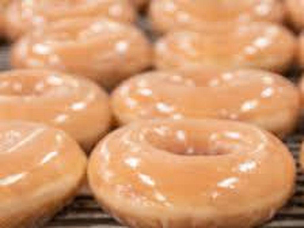 Chef Ini Bikin Tutorial Masak Donat Krispy Kreme Lewat TikTok