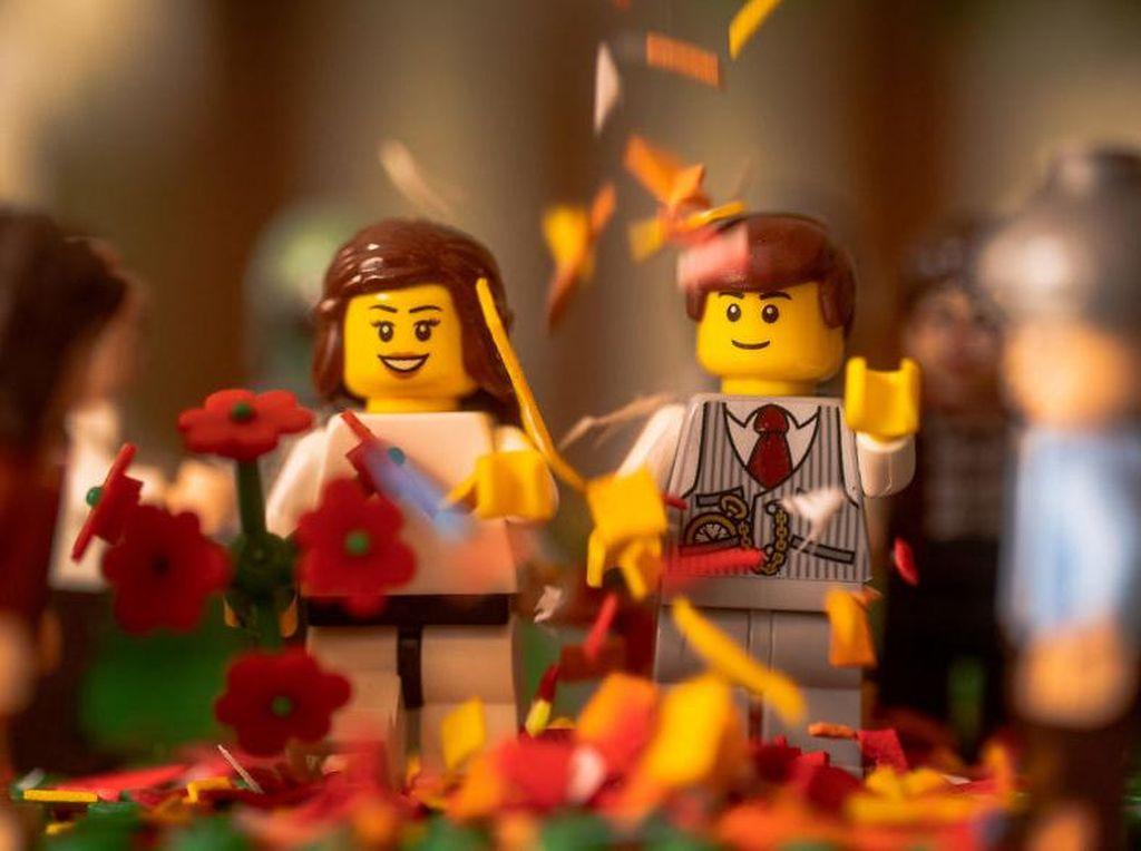 Ada Pandemi Corona, Orang-orangan Lego pun Jaga Jarak