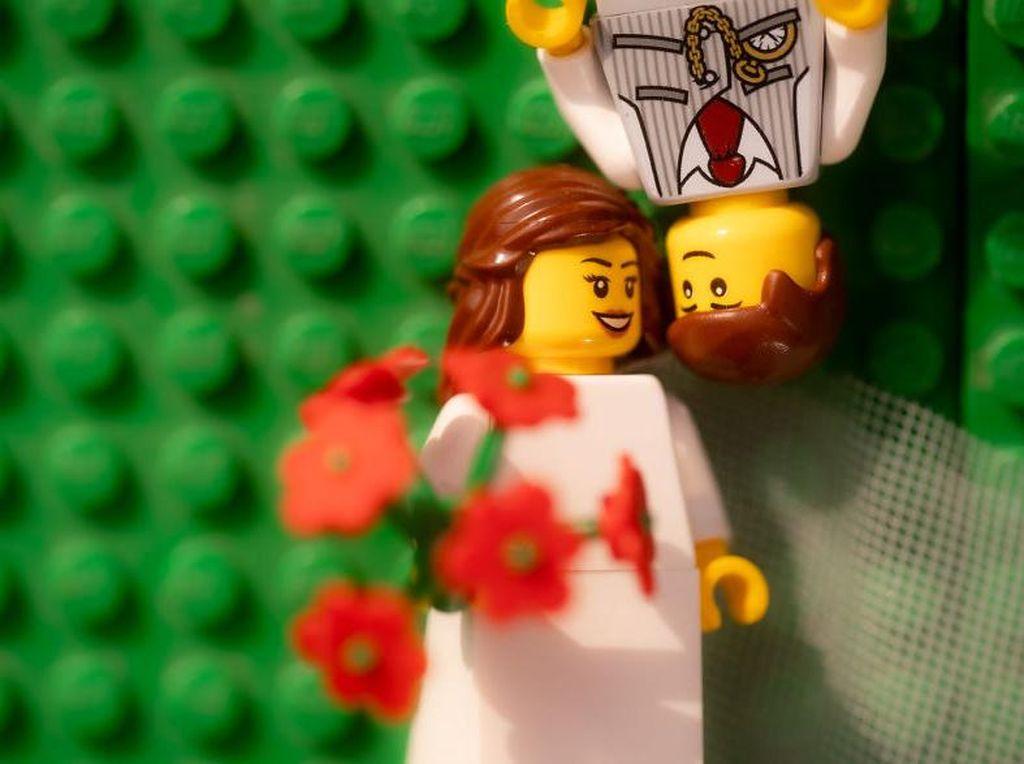 LEGO Laris Manis Selama WFH
