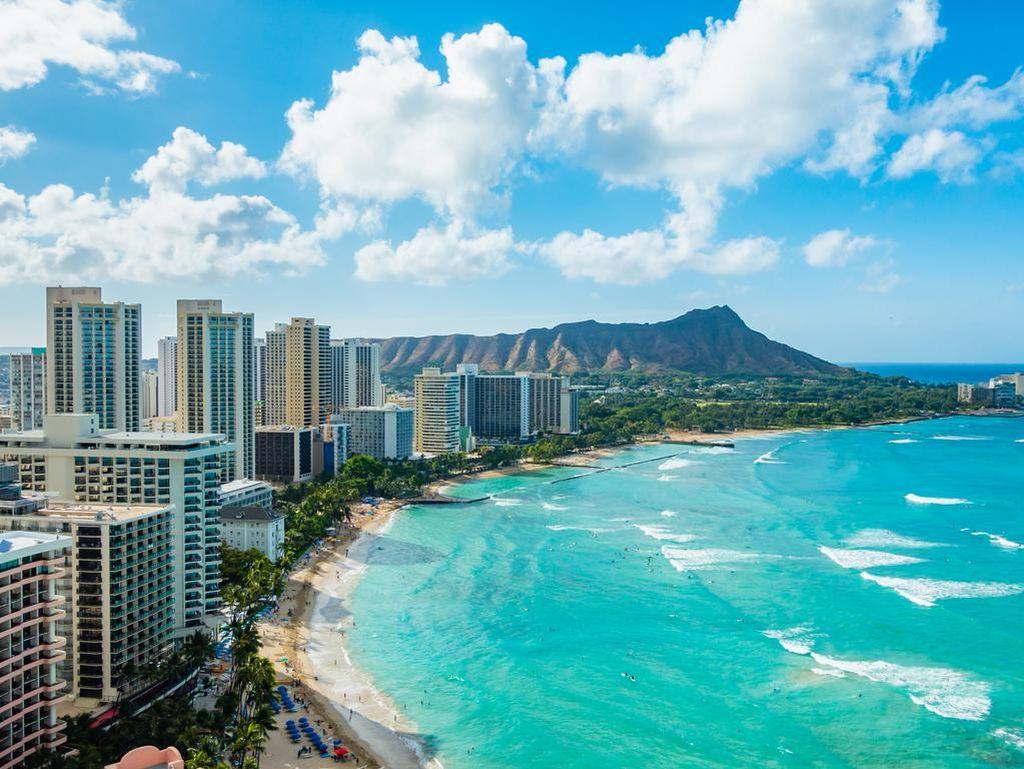 Demi Putus Virus Corona, Hawaii Biayai Kepulangan Turis Bandel