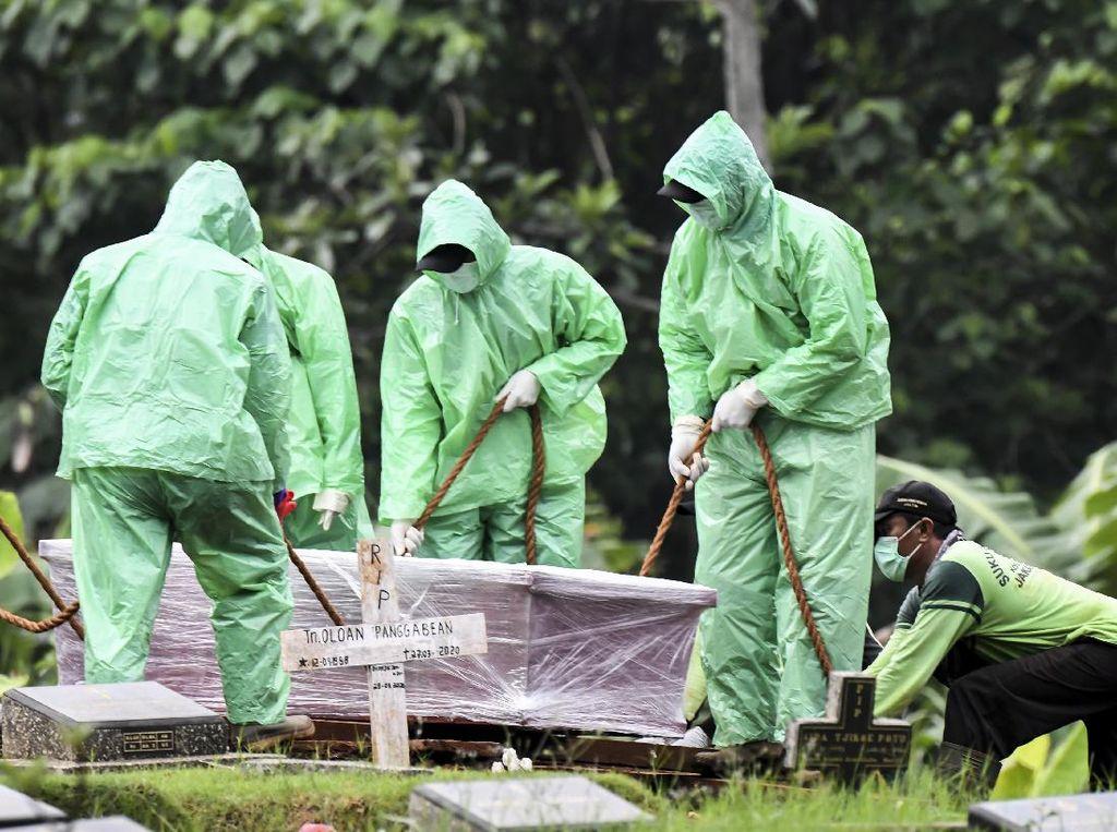 Ribuan Jenazah di Jakarta Dimakamkan dengan Protap Corona