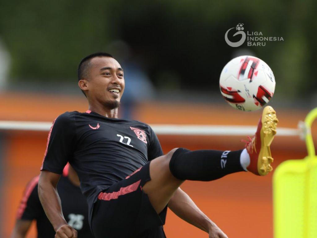 Pemain Borneo FC Ini Ungkap Sensasi Kuliah Online