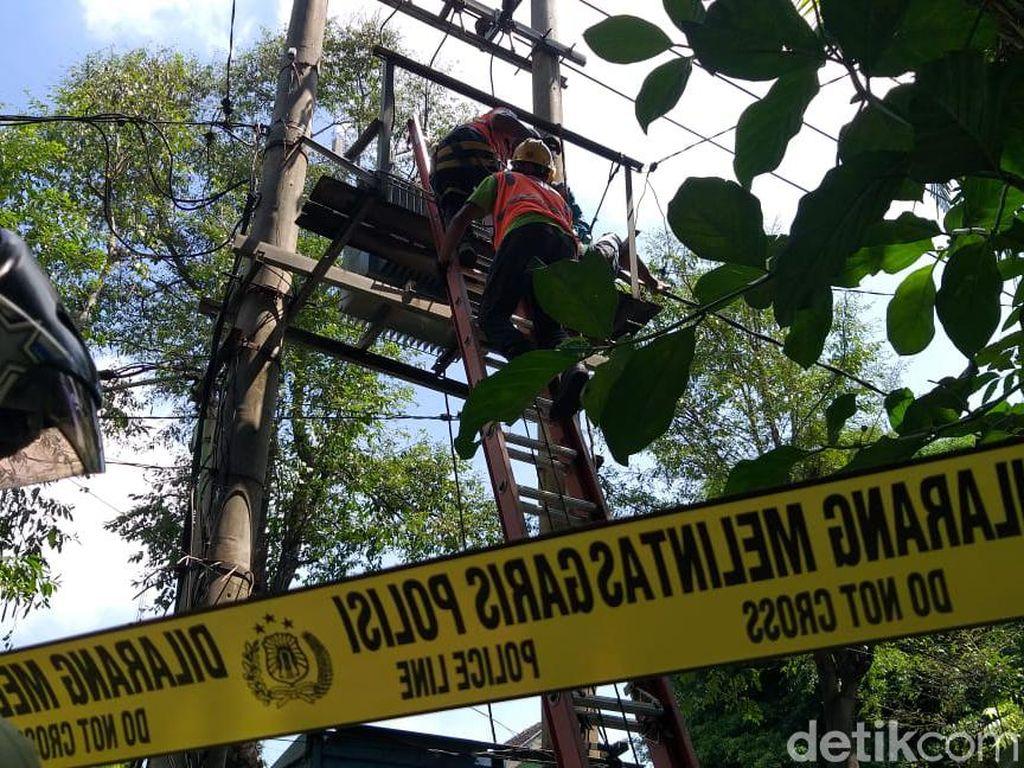 Pria di Kota Probolinggo Tewas Tersengat Listrik Saat Naik Gardu Trafo