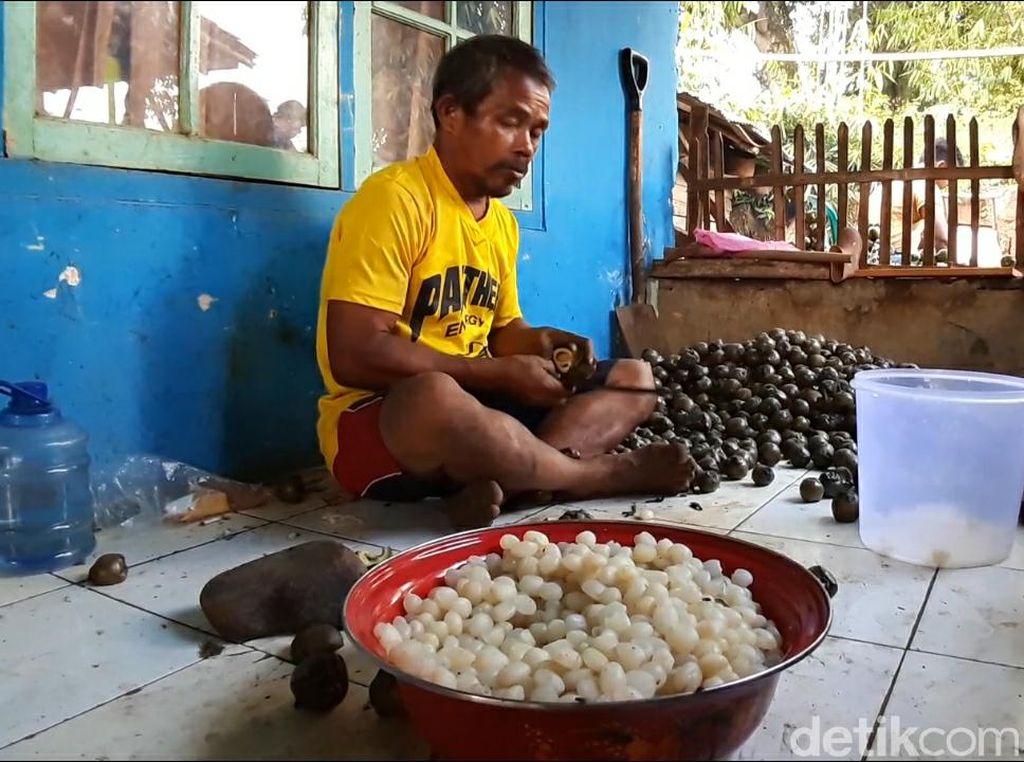 Jelang Ramadhan, Permintaan Kolang Kaling di Sumedang Meningkat