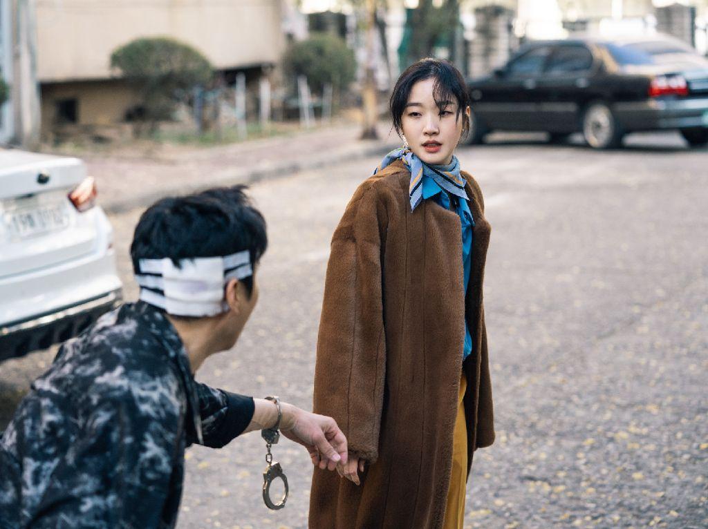Cerita Kim Go Eun Harus Belajar Taekwondo Demi The King: Eternal Monarch