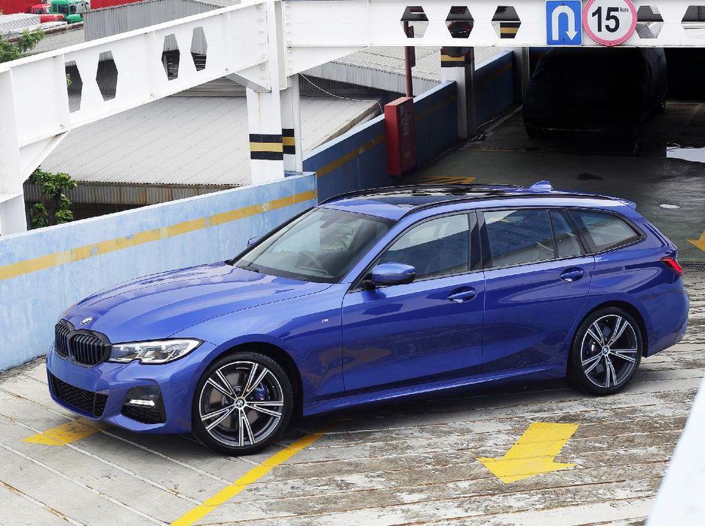 Ini Wujud BMW 320i Touring M Sport yang Diluncurkan Virtual