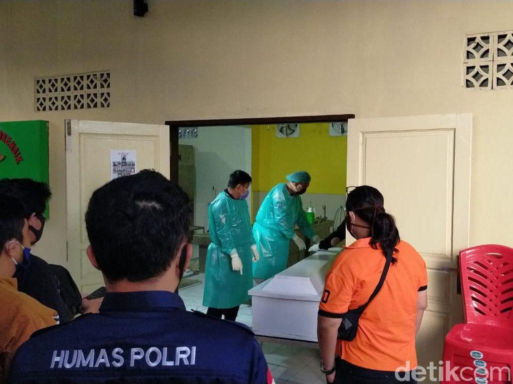 Keluarga Jemput Jenazah 2 Pelaku Penembakan Polisi untuk Dimakamkan di Poso