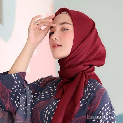 Simpel Dan Tetap Kece Ini 5 Gaya Hijab Erica Putri Kakak Citra Kirana