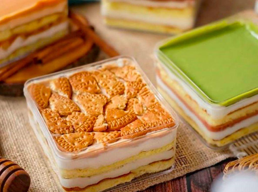 Mau Ngemil Manis? Pesan Saja Dessert Box di 5 Tempat Ini