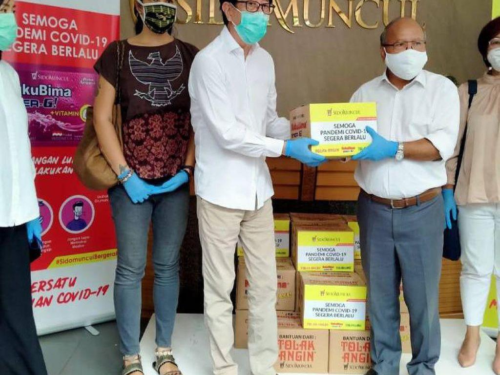 Sido Muncul Sumbang 6.000 Paket Sembako ke Warga Terdampak COVID-19