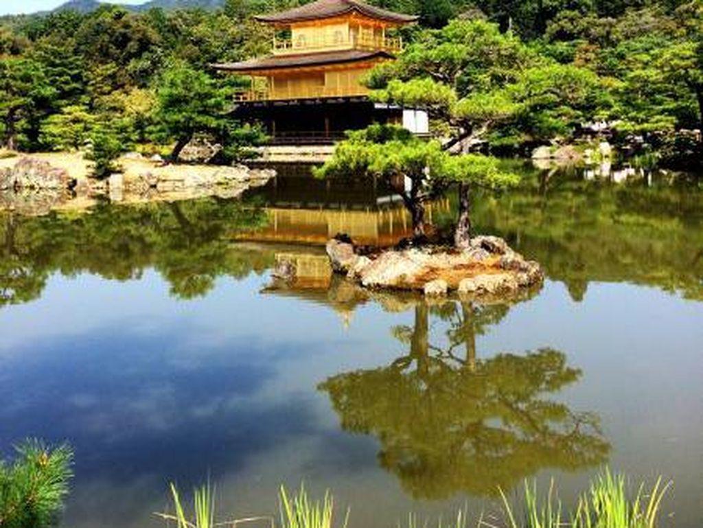 Potret Kinkaku-ji Temple di Kyoto
