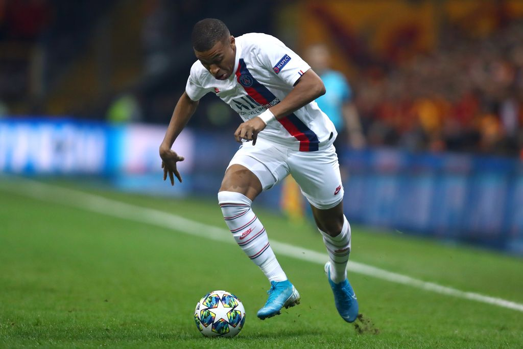 ISTANBUL, TURKEY - OCTOBER 01: Kylian Mbappe of PSG in action during the UEFA Champions League group A match between Galatasaray and Paris Saint-Germain at Turk Telekom Arena on October 01, 2019 in Istanbul, Turkey. (Photo by Dean Mouhtaropoulos/Getty Images)