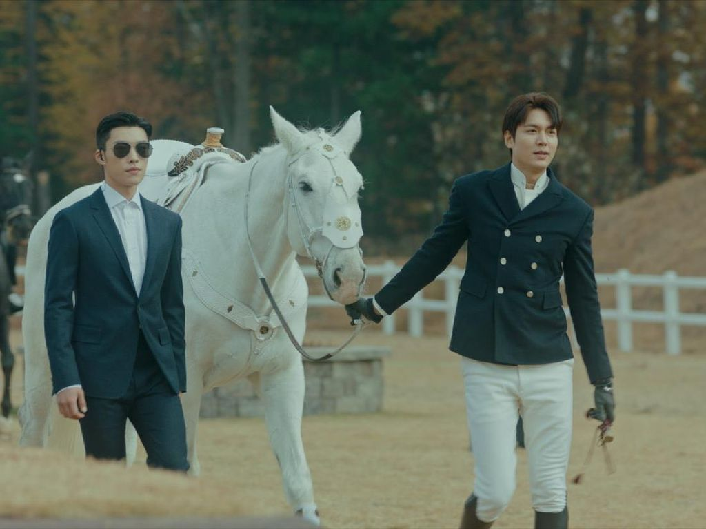 Kedekatan Lee Min Ho dan Maximus si Kuda di The King: Eternal Monarch