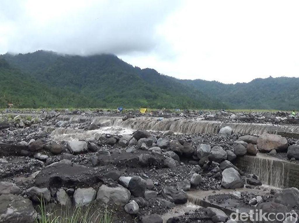 Penambang Pasir dan Batu Diimbau Waspada Banjir Lahar Hujan Semeru