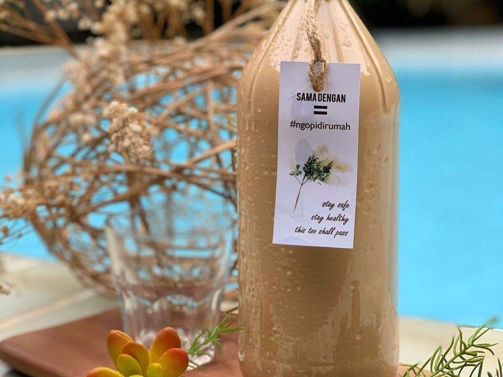 7 Rekomendasi Es Kopi Susu Ukuran Satu Liter yang Bisa Dipesan Online