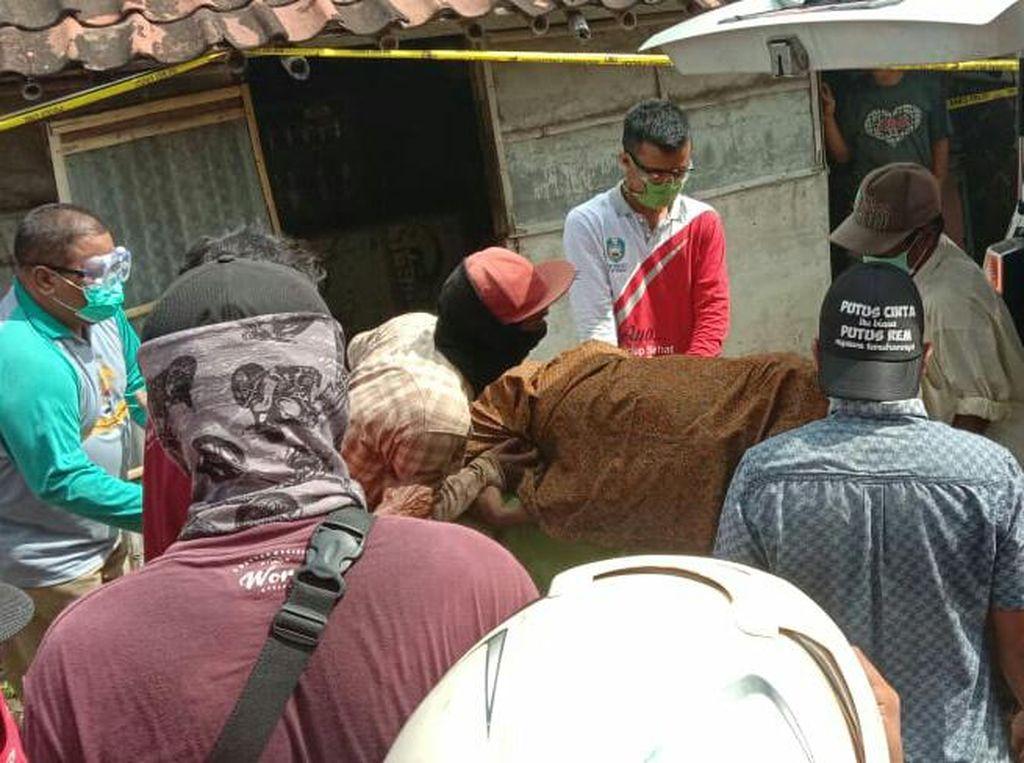 Gugus Tugas Situbondo Imbau Seluruh Ambulan Sediakan APD untuk Kru