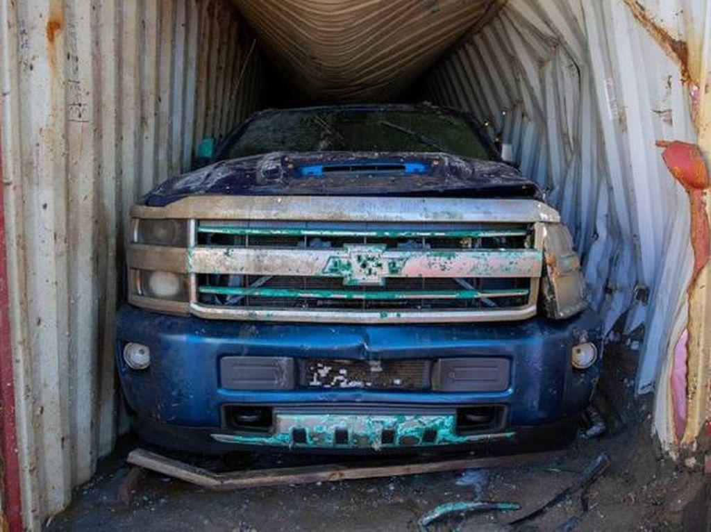 2 Tahun Tenggelam di Dasar Laut, Chevrolet Silverado Ini Berhasil Diangkut
