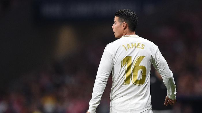 MADRID, SPAIN - SEPTEMBER 28: James Rodriguez of Real Madrid CF looks on during the Liga match between Club Atletico de Madrid and Real Madrid CF at Wanda Metropolitano on September 28, 2019 in Madrid, Spain. (Photo by Denis Doyle/Getty Images)