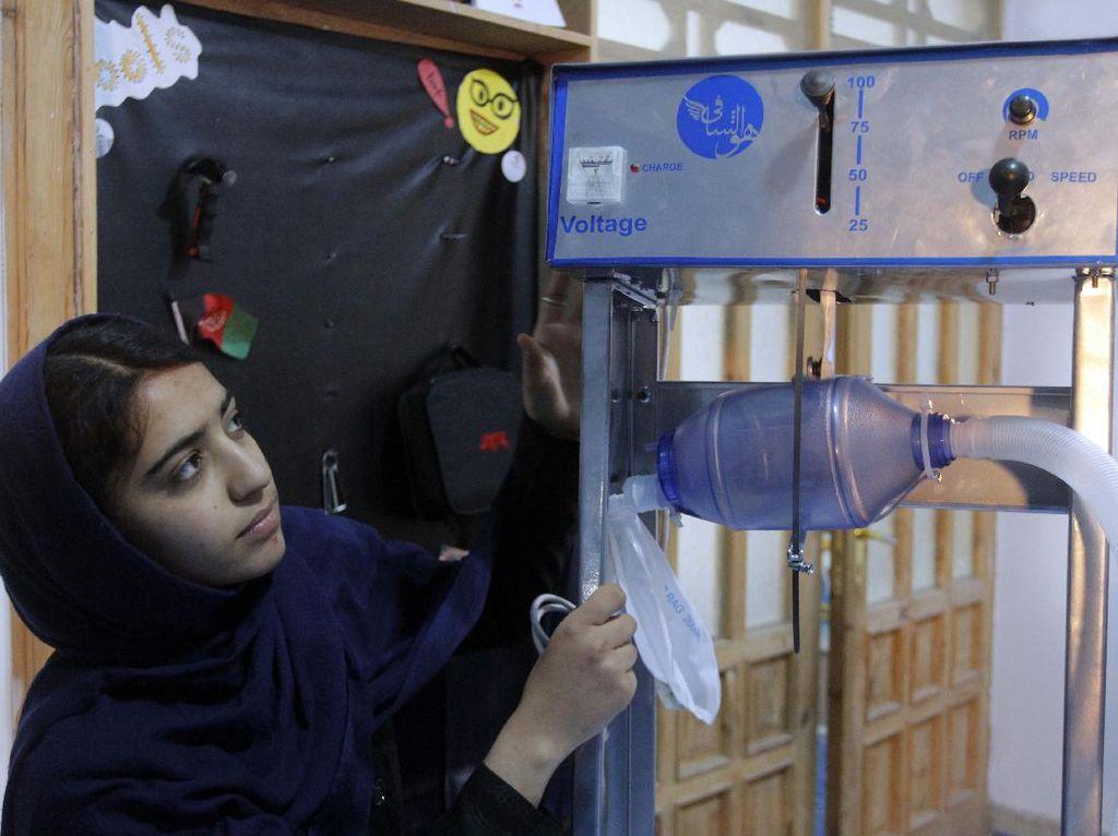 Gadis Afghan Ini Bikin Ventilator dari Suku Cadang Mobil Toyota
