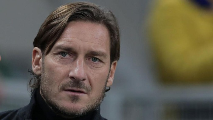 MILAN, ITALY - DECEMBER 06:  AS Roma former player Francesco Totti looks on prior to the Serie A match between FC Internazionale and AS Roma at Stadio Giuseppe Meazza on December 6, 2019 in Milan, Italy.  (Photo by Emilio Andreoli/Getty Images)