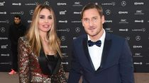 Corona Mudahkan Francesco Totti Pelesiran Keliling Roma