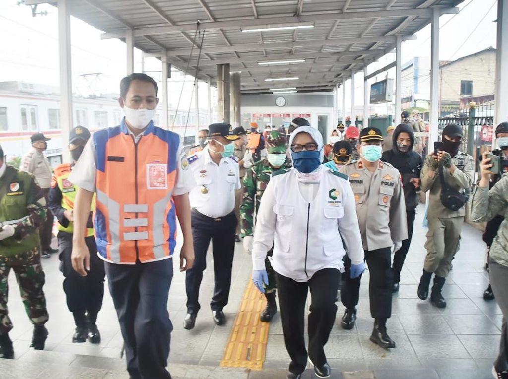 PSBB Bodebek Diperpanjang, Bupati Bogor Minta agar Penumpang KRL Diseleksi