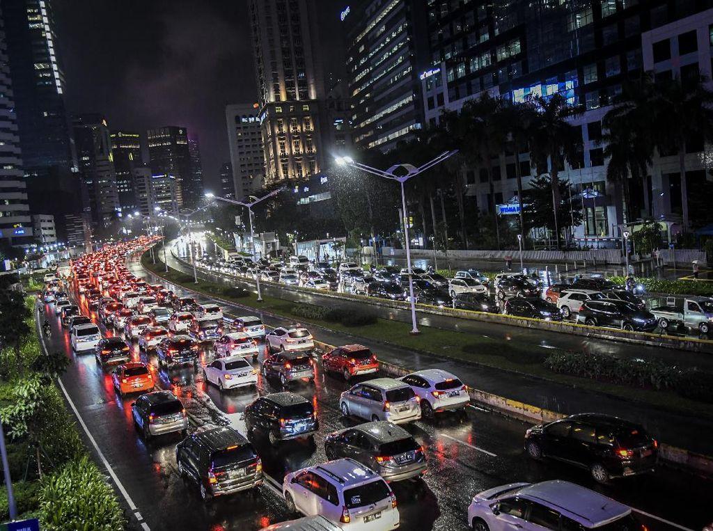 Upaya Industri Otomotif Tekan Emisi