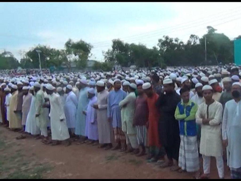 Puluhan Ribu Orang Hadiri Pemakaman Ulama di Bangladesh