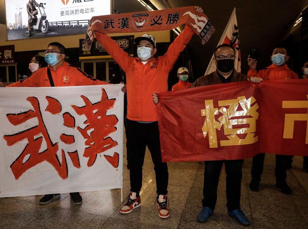 Setelah 104 Hari Mengungsi, Klub China Ini Pulang ke Wuhan