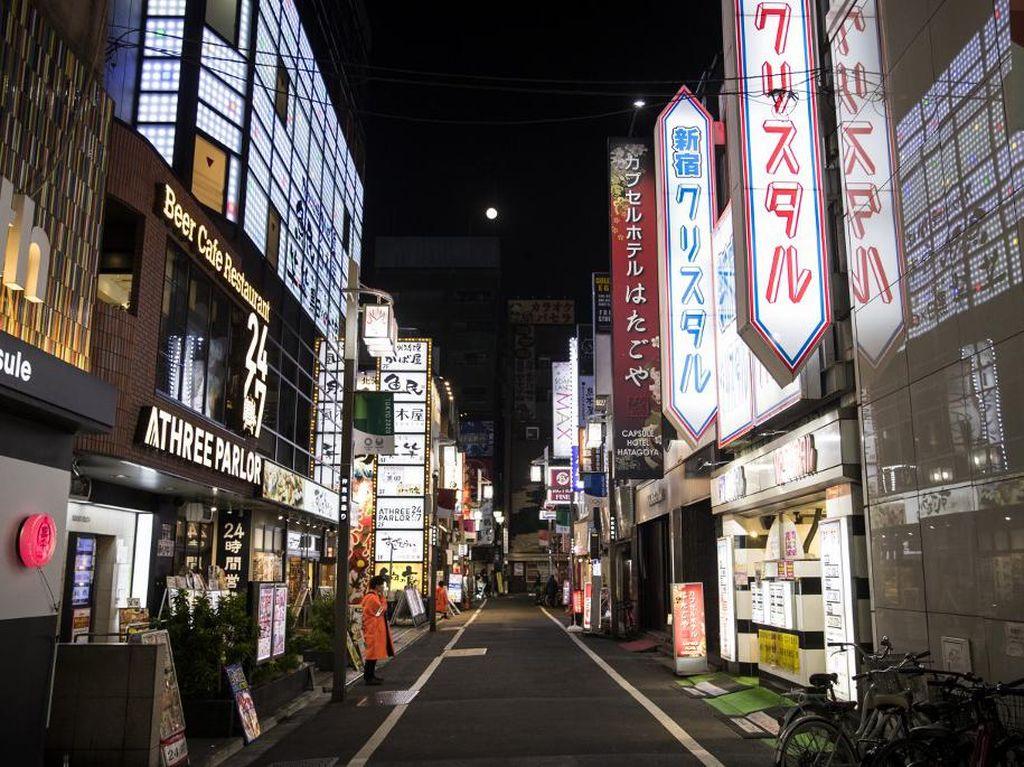 Wisata Hiburan Malam di Jepang Larang Pengunjung Berciuman