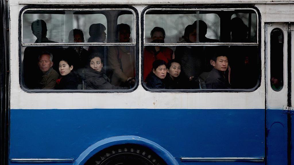 Potret Langka Lalu Lalang Kendaraan di Negara Kim Jong Un