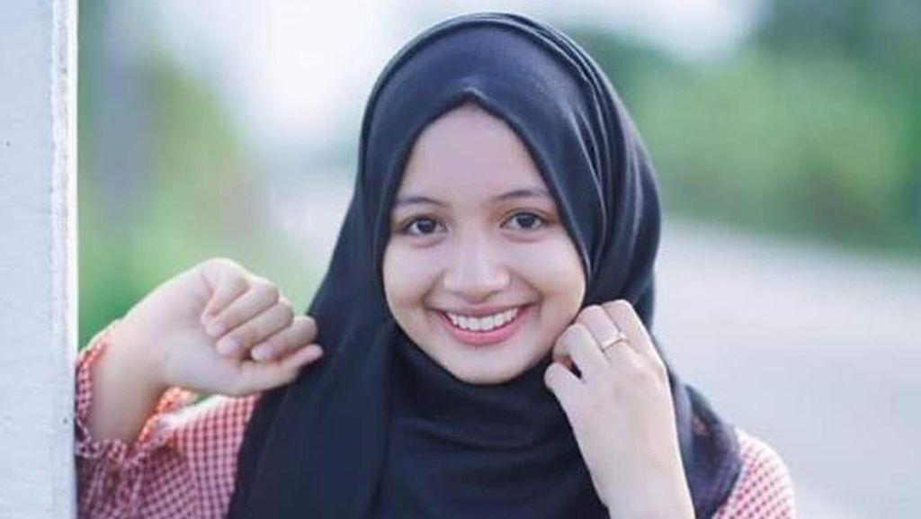 Kepincut Pesona Sanwanee Esor, Kembaran Lisa Blackpink Versi Syariah