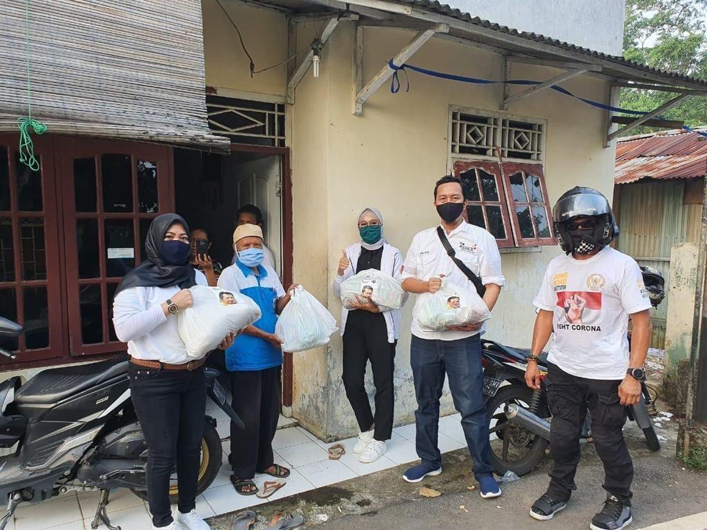 Ketua MPR Ikut Sumbang Bantuan ke 200 Keluarga Kurang Mampu