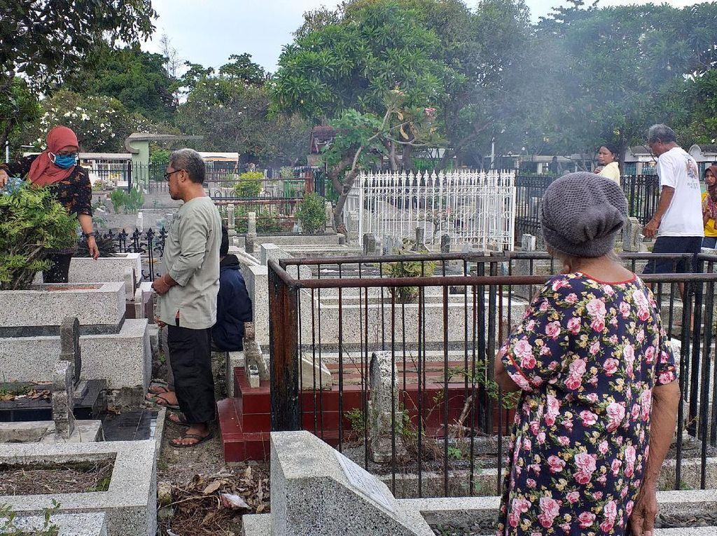 Peziarah di Surabaya Jelang Ramadhan Turun Drastis Dampak Wabah Corona
