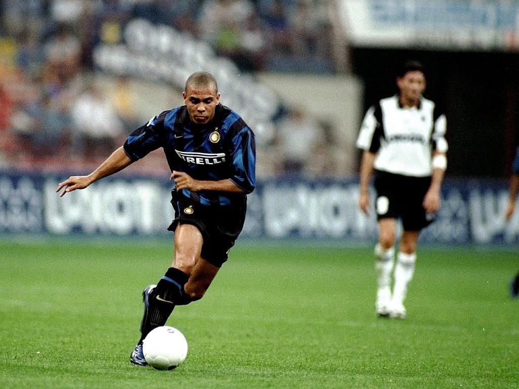 Vieri: Ronaldo Lebih Hebat dari CR7