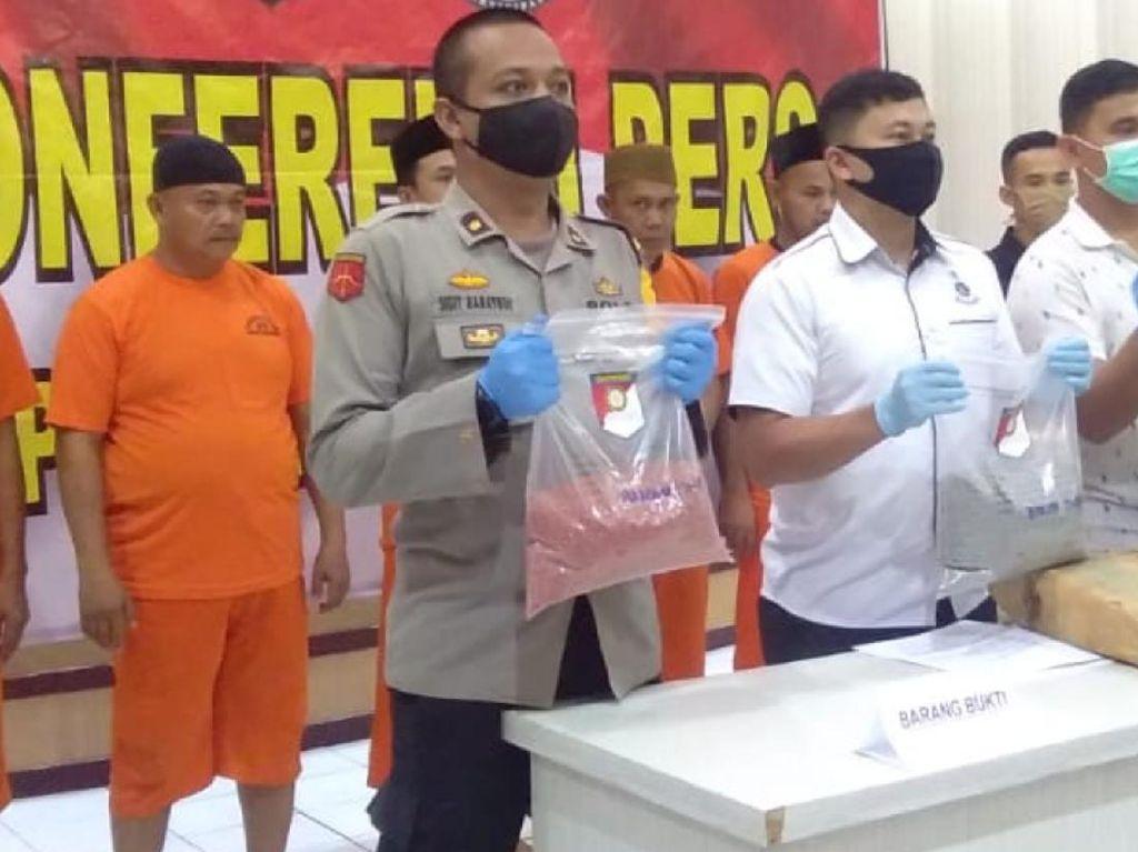 Polres Sukabumi Bekuk Penambang Emas Ilegal dan Produsen Pupuk Palsu