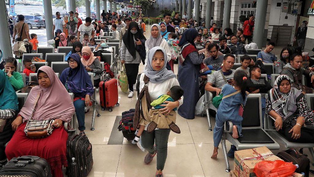 Jokowi Larang Mudik Lebaran di Tengah Wabah Corona