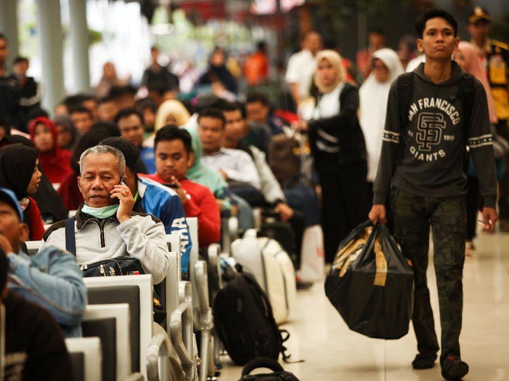 Profesor Sosiologi Membedah Mudik vs Pulang Kampung ala Jokowi