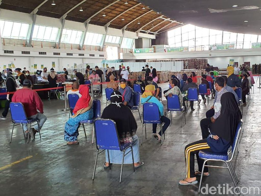 Cegah Corona, Khofifah Imbau Warga Belanja Online di Lumbung Pangan Jatim